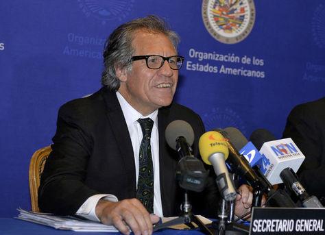 El secretario general de la OEA, Luis Almagro, en rueda de prensa.