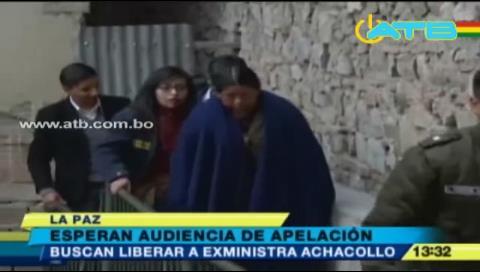 Ex ministra Achacollo cambia de abogados y espera audiencia