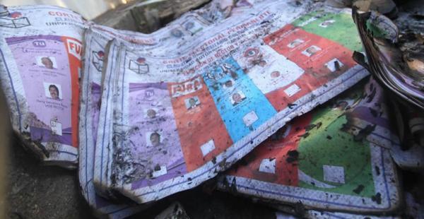 El material electoral se quemó en el incendio lo que pone en riesgo las elecciones