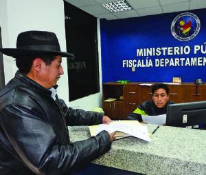 """Ferreira llama """"llunk'u"""" a Quispe y éste le tilda de """"chupamedias """""""