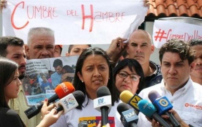 """Oposición venezolana protestó en Embajada de Bolivia en Caracas y llamó """"chulo"""" a Evo Morales"""