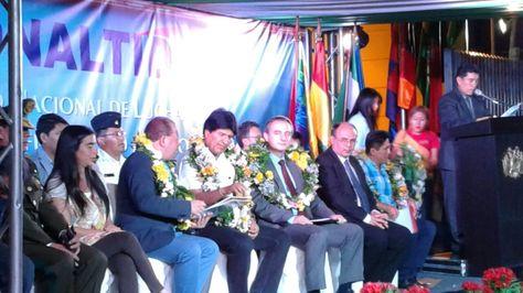 El presidente Evo Morales y otras autoridades en el acto de entrega del edificio del Conaltid