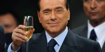 Berlusconi cumple 80 años sin ganas de fiestas