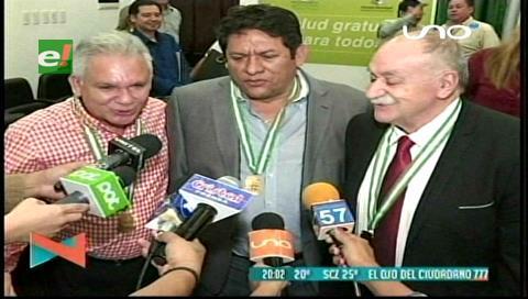 Municipio cruceños distingue a destacados ciudadanos por servicios prestados