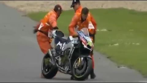 Impactante accidente en el GP del Reino Unido en MotoGP