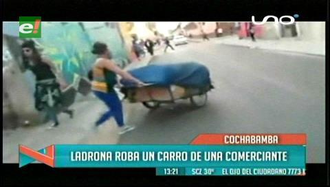 Cochabamba: Ladrona roba el carro de una comerciante
