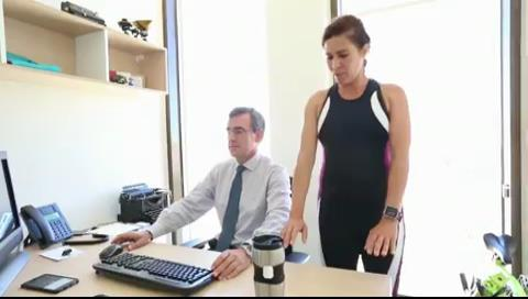 Cómo quemar más calorías mientras trabajas