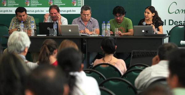 Durante la jornada se debatieron los desafíos de la democracia, la descentralización y la autonomía