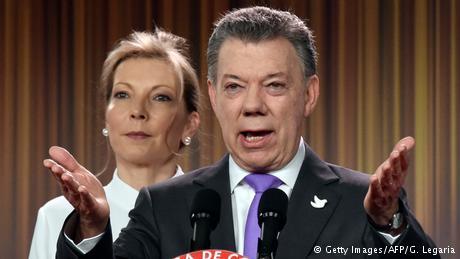 Kolumbien Bogota - Juan Manuel Santos bei Pressekonferenz zum Friedensnobelpreis (Getty Images/AFP/G. Legaria)