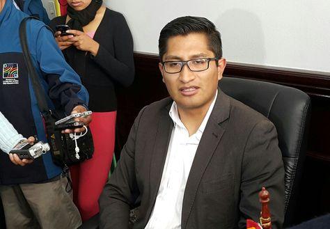 El fiscal departamental de La Paz, Edwin Blanco, en conferencia de prensa.