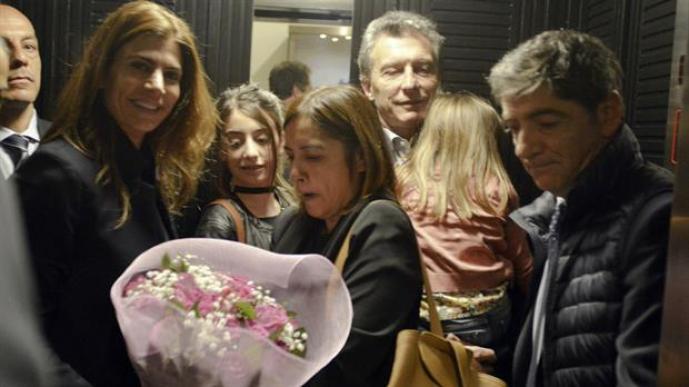 Macri, Awada y sus hijos, esta mañana al llegar al hotel De Russie, en Roma