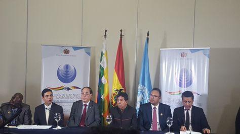 Conferencia de prensa a la clausura de la Reunión de Alto Nivel Sobre Transporte Sostenible de Países en Desarrollo sin Litoral que se realizó en Santa Cruz. Foto: @mopsv_bolivia