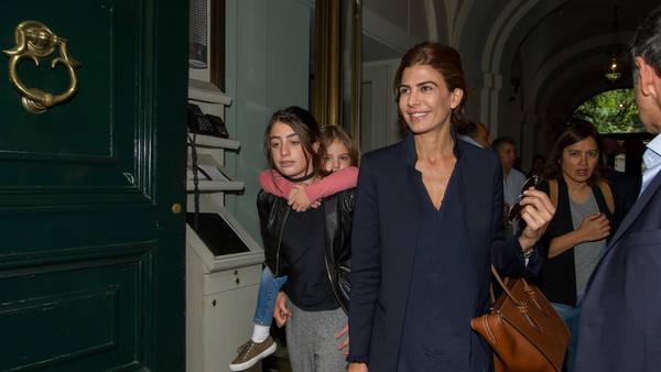 Juliana Awada, con sus hijas Antonia y Valentina, hoy en Roma. (Víctor Sokolowicz)