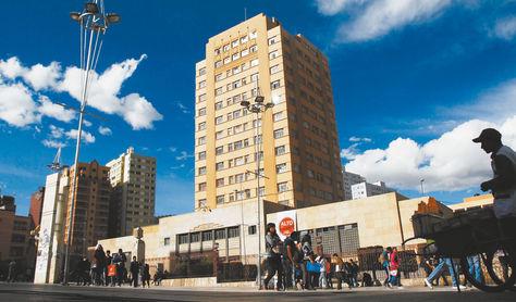 Vista del edificio central de la Universidad Mayor de San Andrés (UMSA) en la ciudad de La Paz.