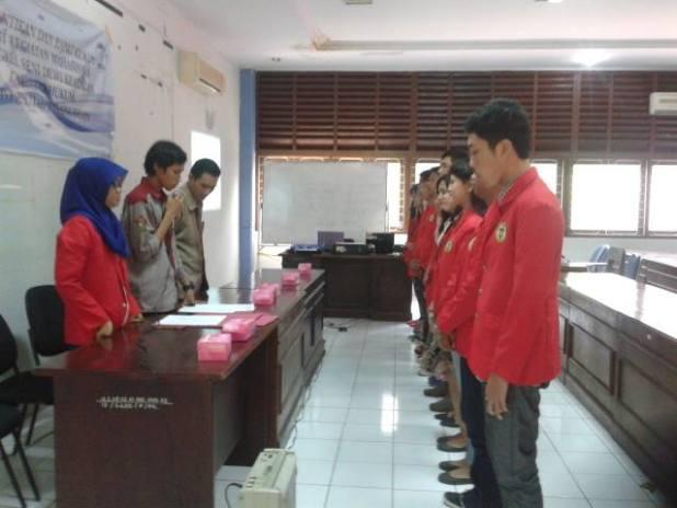 Pengambilan sumpah jabatan dalam pelantikan pengurus baru BSDK di Aula Manggau Fakultas Hukum Unhas, Kamis (26/06)