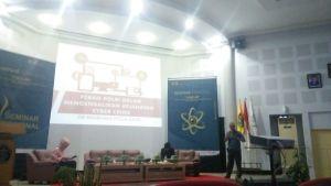 Seminar Cyber Law di Auditorium Prof. Amiruddin Fakultas Kedokteran Universitas Hasanuddin (FK-Unhas) pada Jumat (03/11). Ylk