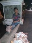 Foto anak penjual buah tala di BTP.
