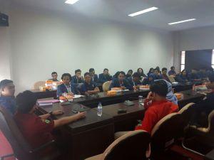 Foto mahasiswa FH-Unram yang melakukan studi banding di FH-Unhas, Kamis (30/11). Ftr