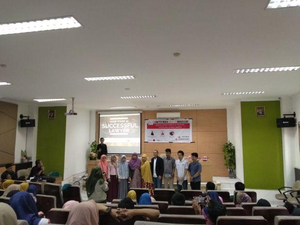Kegiatan seminar Lawyer Muda Goes to Campus pada Selasa (6/3), bertempat di Gedung Aula Fakultas Syariah dan Hukum Universitas Islam Negeri (FSH-UIN) Alauddin Makassar. Sme