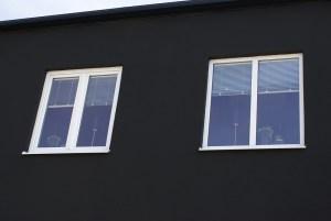 Underhållsfria PVC fönster, ett 2-luft och ett 1-luft med glasdelande post GDP0:1