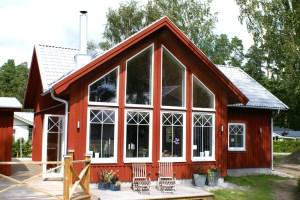 Ekstrands underhållsfria PVC fönster med krysspröjs