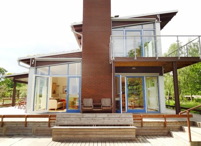 Fasta stora fönster och fönsterdörrar från Ekstrands för mycket ljusinsläpp