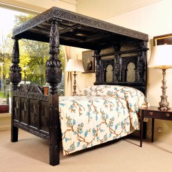 Small Crop Of Four Poster Bed