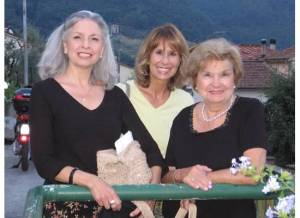 Carol, Joy and Mom in Lucca