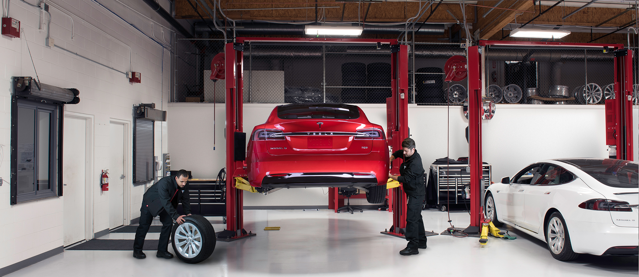 Repair Shop Tesla Launches Its Own In House Body Repair Centers To Reduce