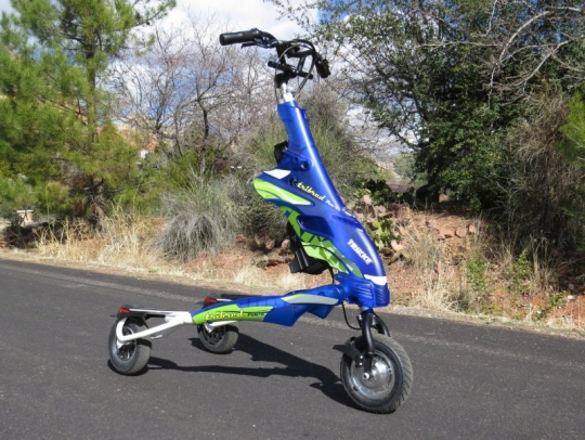trikke-pon-e-pavement