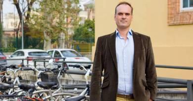 Patentada nueva bicicleta eléctrica de tres ruedas diseñada por Emilio Ramirez, Departamento de Ingenieria Gráfica de la Universidad de Sevila. Bicicleta eléctrica española
