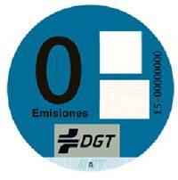 La DGT clasificará los vehículos según su potencial contaminante. etiqueta cero emisiones. pegatinas para coches eléctricos.