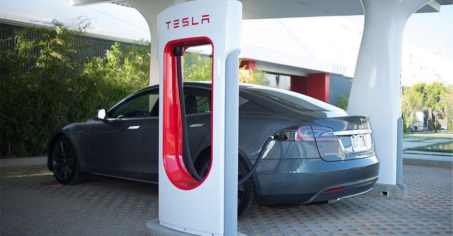 Como montar un Supercharger Tesla en mi negocio