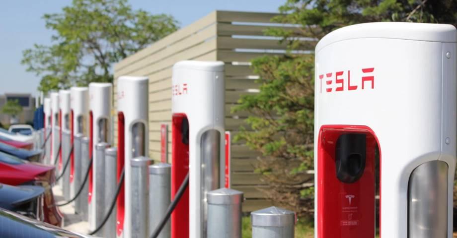 Así funciona el nuevo acceso a la red de Supercharger Tesla