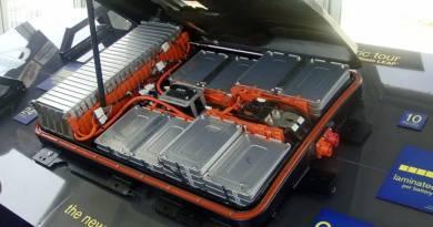 El Johan Cruyff ArenA tendrá electricidad gracias a 148 baterías de Nissan LEAF. Hyperdrive ofrece baterías de tecnología Nissan para todos