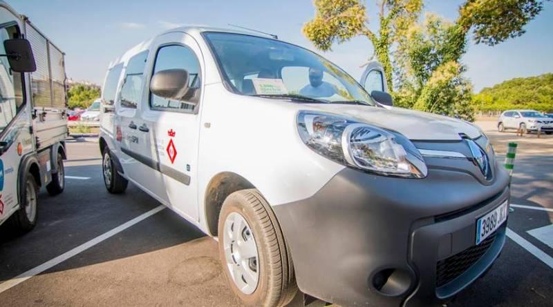 El Ayuntamiento de Santa Perpètua en Expoeléctric Renault Kangoo ZE