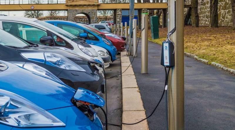 Matriculaciones de vehículos eléctricos junio 2018: 1.356 BEV y 911 PHEV. Recomendaciones del RACC para el desarrollo del vehículo eléctrico. El Gobierno aprueba el Plan Movalt. 35 millones en ayudas. Septiembre deja 958 coches eléctricos vendidos a la espera del Promovea