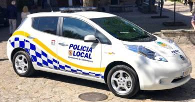Se entrega el primer coche de policía eléctrico en Balerares