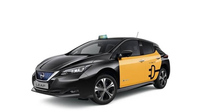 Nuevo Nissan LEAF taxi en la Feria del Taxi de Barcelona