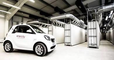 Mercedes-Benz Energy y enercity ponen en funcionamiento uno de los mayores sistemas de baterías de Europa. Almacenamiento energetico mediante baterias de coches eléctricos.