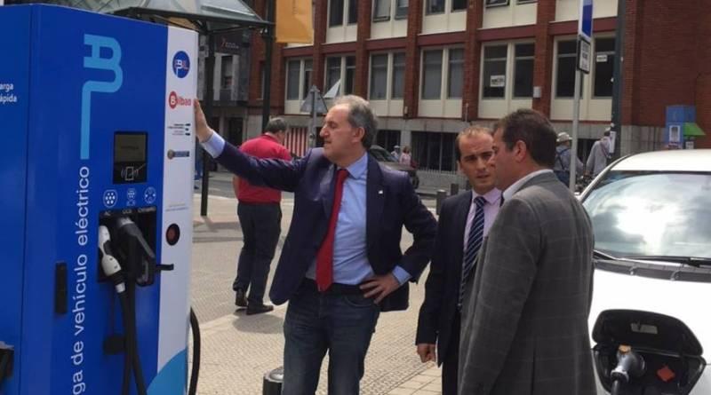 Bilbao incorpora dos nuevos puntos de recarga rápida para vehículos eléctricos.