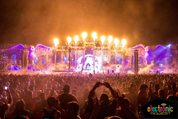 Car Fire Wallpaper Hd First Look The Elaborate Stages Of Edc Las Vegas 2014