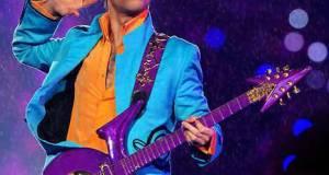 El superastro pop Prince, fue hallado muerto en su casa.