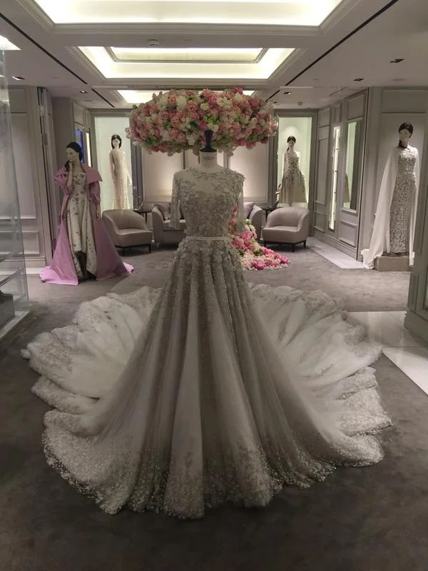 Canape D Harrods Superbrands: Haute Couture On One Floor | Elite