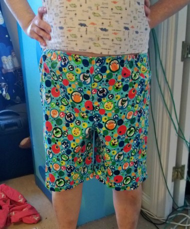Davy's totally beezer monster-print shorts