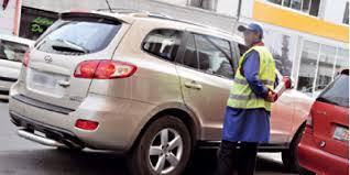 Stationnement des véhicules : faut-il faire confiance aux placiers ?