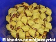 حلويات جزائرية تقليدية مقروط النقاش