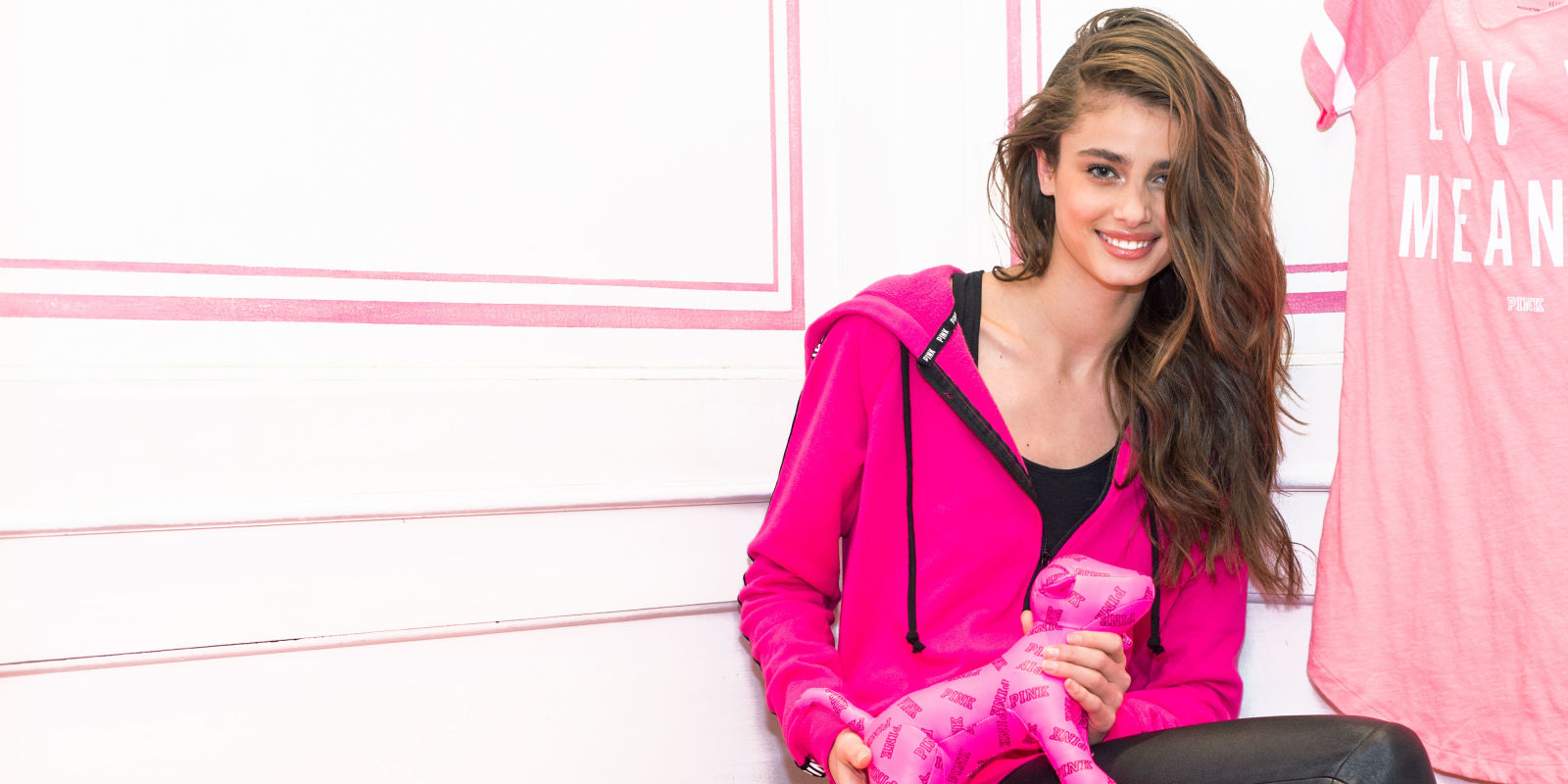Harry Styles Fall Wallpaper Victoria S Secret Model Taylor Hill Shares Her Foolproof