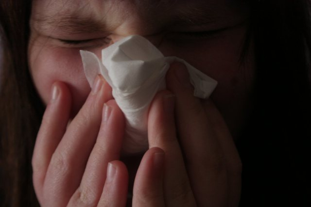 the-color-of-your-snot-doesnt-indicate-if-you-have-a-bacterial-or-viral-infection-it-can-vary-from-clear-to-yellow-to-green-with-a-variety-of-illnesses