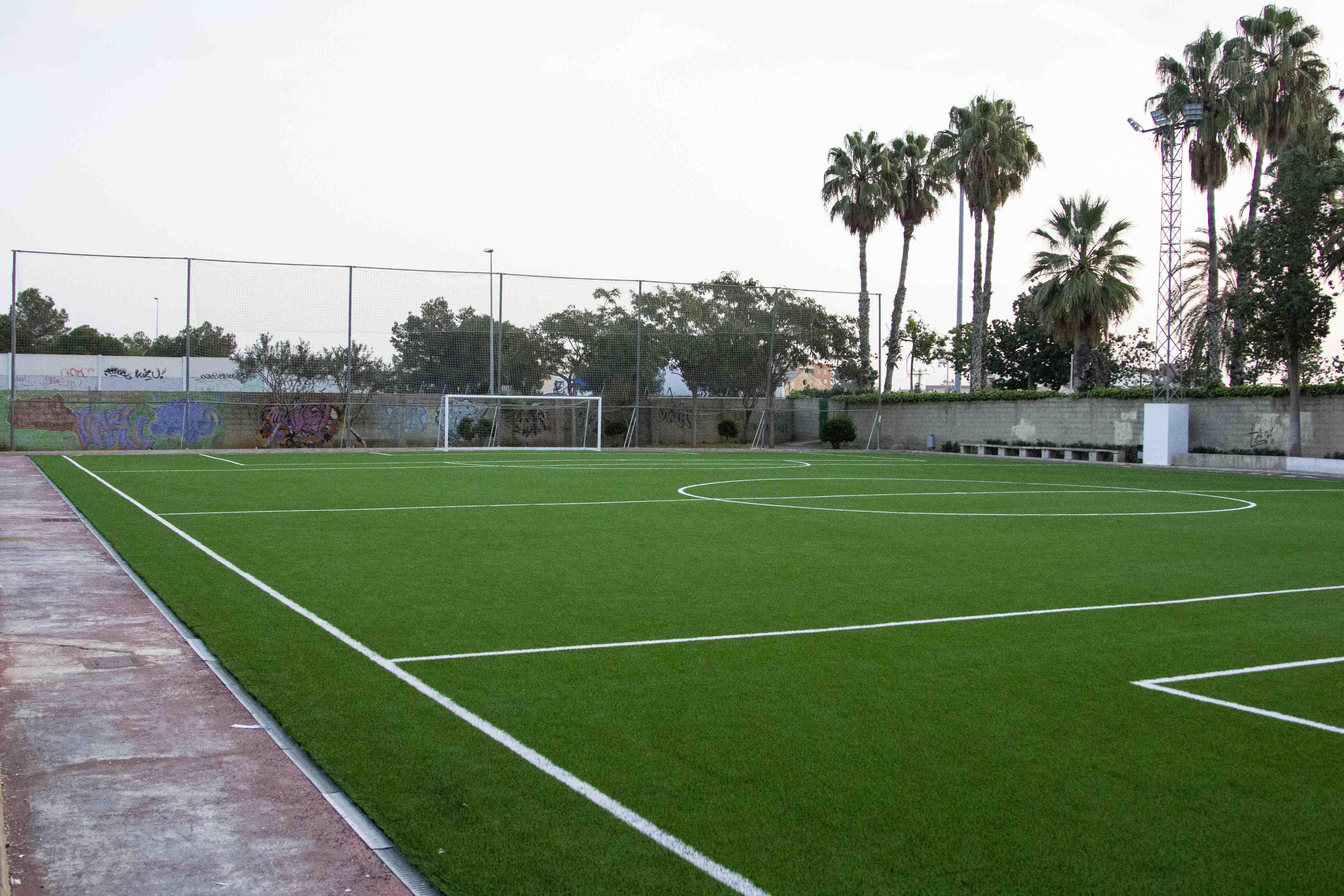 Noticias de general el meridiano l 39 horta for Piscina municipal manises